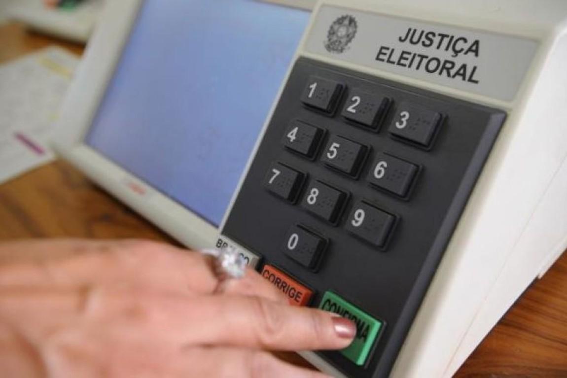 Líderes costuram acordo para adiar eleições municipais para 6 de ...