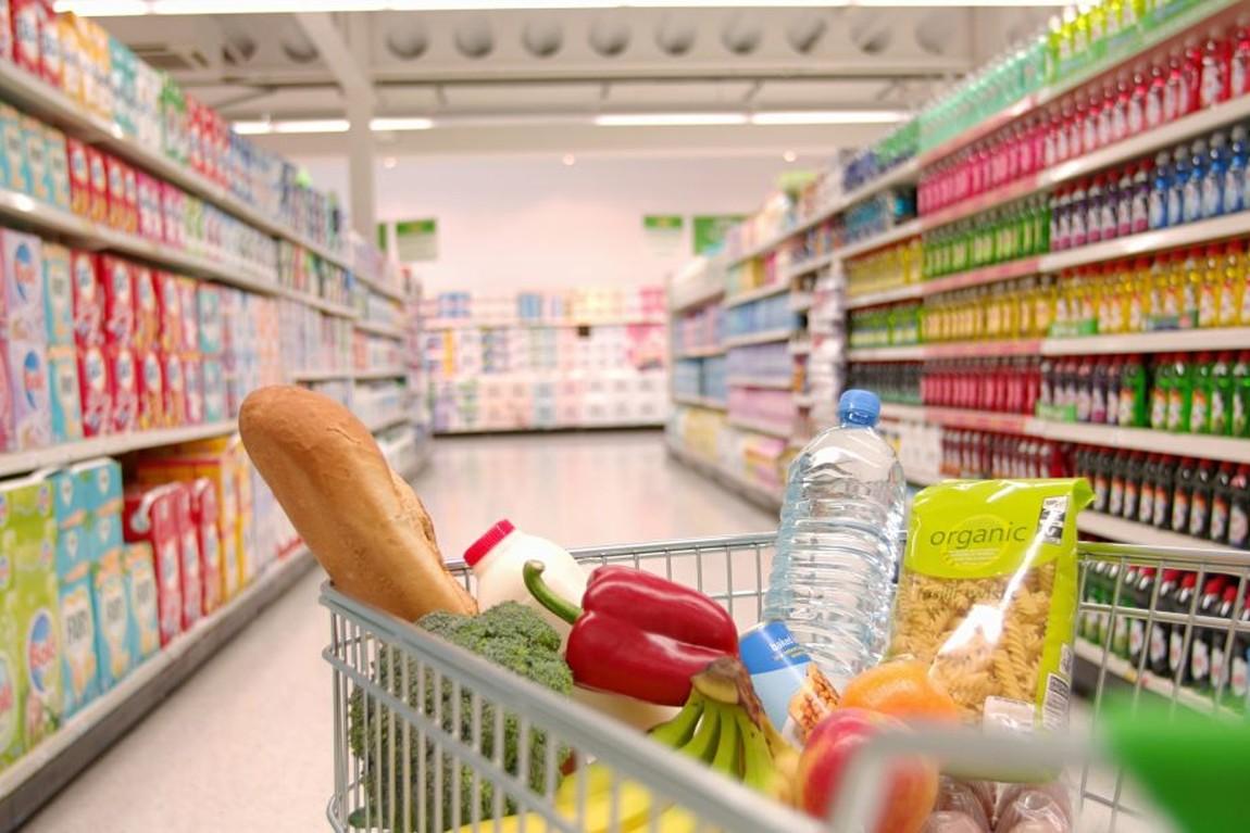 Saiba quais Farmácias e Supermercados funcionam neste domingo