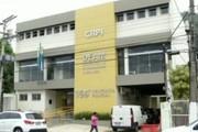 Criminosos armados assaltam relojoaria no Centro de Angra dos Reis