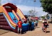Brincando na Praça faz diversas atividades gratuitas em Atibaia