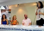 Artesãos de Volta Redona recebem Carteira Nacional da profissão