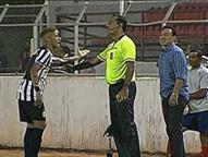 Cícero faz o gol único da vitória em Itu, e Peixe segue na liderança do Paulistão. Craque insinua racismo do treinador da equipe do interior