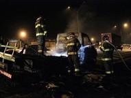 Por volta das 18h20 caminhão pega fogo que é contido pela rápida ação dos Bombeiros