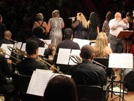 """. O concerto """"Voz de Mulher"""" reuniu as mais belas e talentosas vozes femininas da cidade"""