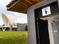 Os banheiros masculino e feminino serão interditados durante dez dias.