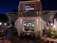 Melhor restaurante de Puerto Iguazú oferece desconto nas mesas compostas por mulheres.