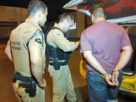 Carro foi encontrado no estacionamento de uma lanchonete na Avenida República Argentina.