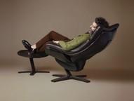 Loja permite que cliente experimente as sensações que sofás e poltronas projetados no sul da Itália despertam.