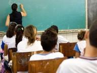 Salários são de R$ 2.135,64 por 24h semanais. Ao todo são 16.701 vagas em diversas áreas de ensino.