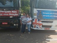 Apesar de cada um conduzir o seu próprio caminhão, a dupla segue as mesmas rotas pelo Brasil