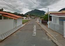 Ladrões invadem casa e assaltam idosa na Vila Leite em Andradas