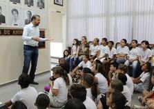 Alunos da Escola Floriza Maniassi Trevisan visitam Prefeitura