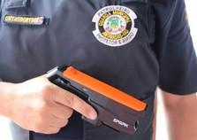 GM recebe dispositivos elétricos incapacitantes para atuar em Andradas