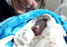 Nascimento de dois bebês mobiliza equipe do Samu na madrugada de sábado em Poços