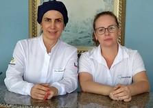 Adriana Pinto: especialista em harmonização facial e saúde da boca