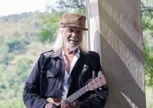 Cantor Zé Geraldo se apresenta em Andradas no fim do mês
