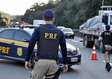 Motorista é atropelado pelo próprio caminhão na Fernão Dias