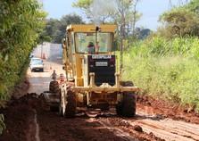 Obras continuam para término da pavimentação da Estrada da Usina