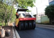 Bairro Jardim Imperial tem 100% das vias asfaltadas após 15 anos de espera