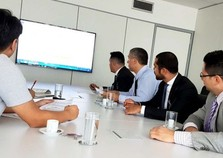 Prefeito assina contrato em Brasília para proporcionar recursos do Moderniza Atibaia