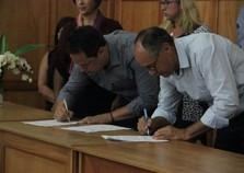Prefeitura assina convênios com instituições de desenvolvimento social