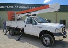 Secretaria de Obras adquire novo veículo para Iluminação Pública