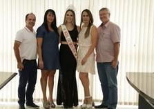 Prefeito e vice recebem nova Miss Guabiruba