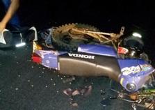 Motociclista morre após ter pernas dilaceradas em acidente com carreta