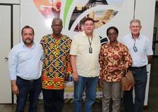 Em visita oficial, ministra de Gana busca tecnologia na Expo Umuarama