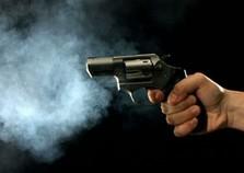 Homem foi executado a tiros quando estava jantando em Mariluz