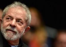 Lula é condenado na Lava Jato a 9 anos e 6 meses de prisão no caso do triplex