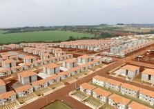Richa e Ministro fazem entrega residencial com 2.089 moradias