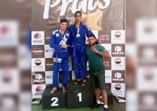Atletas de Douradina conquista medalhas em campeonato de jiu jitsu