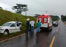 Engavetamento deixa motorista gravemente ferido em Umuarama
