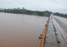 Homem está desaparecido após saltar da ponte do rio Piquiri