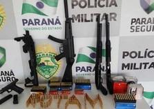 Policiais encontram armas, munições e droga após perseguição na PR-323