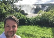 Marcelo Serrado passa as férias com a família em Foz do Iguaçu