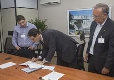 Acordo entre hospital de Foz e o IBMP vai facilitar testes da dengue