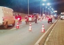 Mais de 20 veículos são apreendidos durante blitz na Avenida Paraná