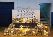 PRF e Receita fazem uma das maiores apreensões de cocaína do país