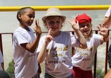 Crianças em tratamento contra o câncer visitam Foz