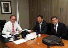 Ministro da Saúde garante repasse extra de R$ 1 milhão para Foz