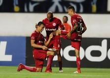 Inter vence de virada e avança na Copa do Brasil