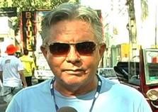Corpo do apresentador Toni Almeida é velado no Cemitério Morada da Paz