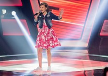 Rondonense Eduarda Back encanta jurados e plateia no The Voice Kids