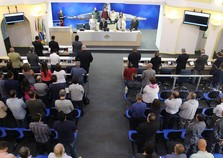 Vereadores recebem prefeito durante primeira reunião ordinária do ano