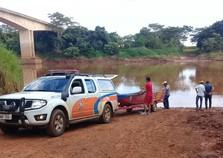 Bombeiros encontram corpo de homem que caiu de ponte sobre o Rio Ivaí
