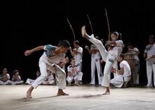 Moradores da Coloninha podem se inscrever em aulas de dança e capoeira