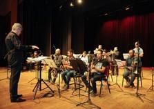 Orquestra de Sopros faz apresentação durante Quinta Feirão