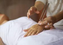 O som da cura: Saiba tudo sobre a terapia com diapasão